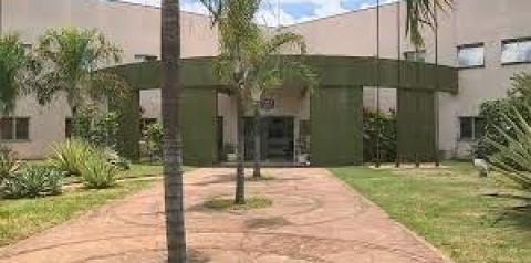 Prefeitura emite nota oficial sobre confusão de guardas com lancheiro do Centro