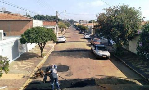Saema realiza recape asfáltico na Rua Primo Santo Antônio