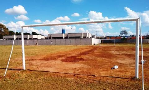 Secretaria de Esportes revitaliza campo de futebol do Jardim das Orquídeas